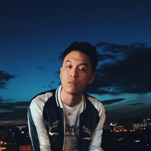 Jon Chua J