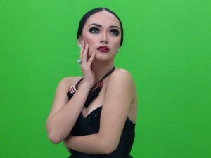 Zaskia gotik from indonesia zaskia gotik from indonesia overview total views likes or dislikes have been done by zaskia gotik as summary last released singles and most often chart reheart Image collections