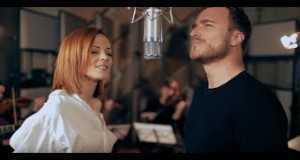 Nina Pušlar & Matjaž Robavs - Mimogrede