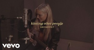 Kissing Other People