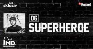 06. Superhéroe