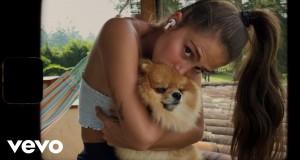 Los Besos Music Video