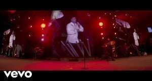 Mi Corazón Es De Ella (Live)