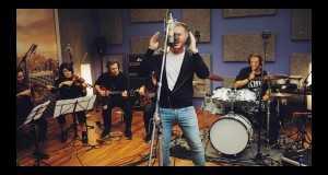 Kis Hülye Vagy (Acoustic Live Version)