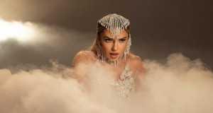 Dinero Music Video