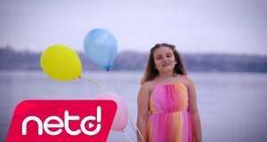 Özgürlük Benimle Güzel Music Video